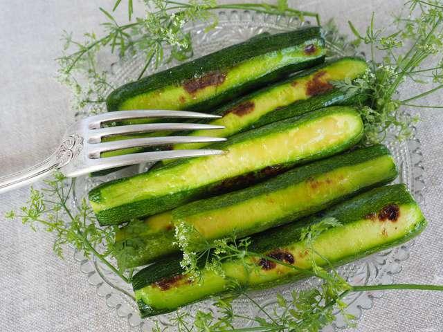 Recettes de plancha et courgettes - Cuisiner courgettes poele ...