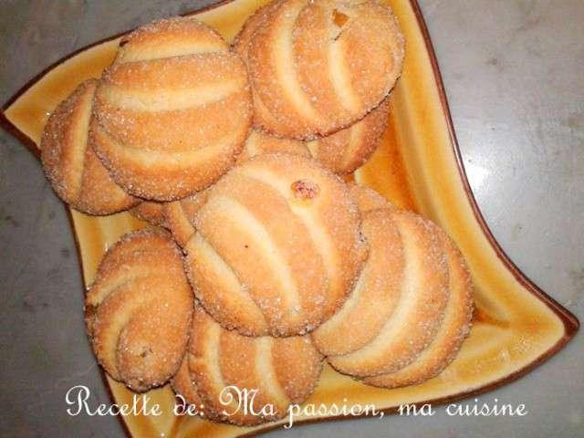 Pin gateaux algeriens orientales modernes fete aid gateau for Amour de cuisine de soulef