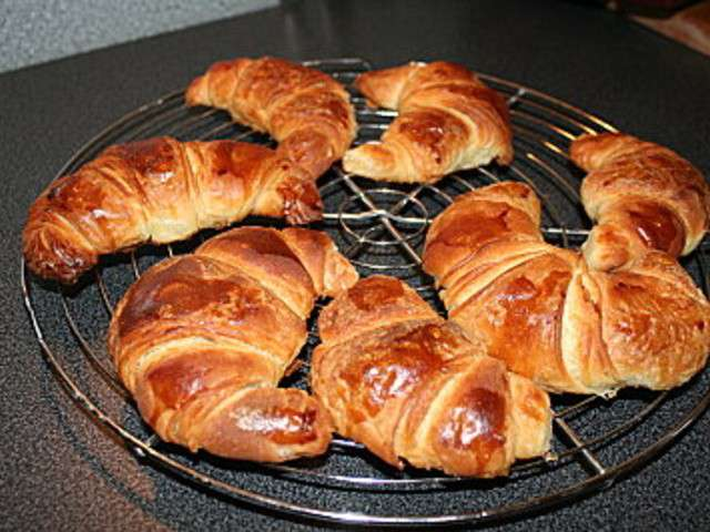 Recettes de croissant au beurre - Recette croissant au beurre ...