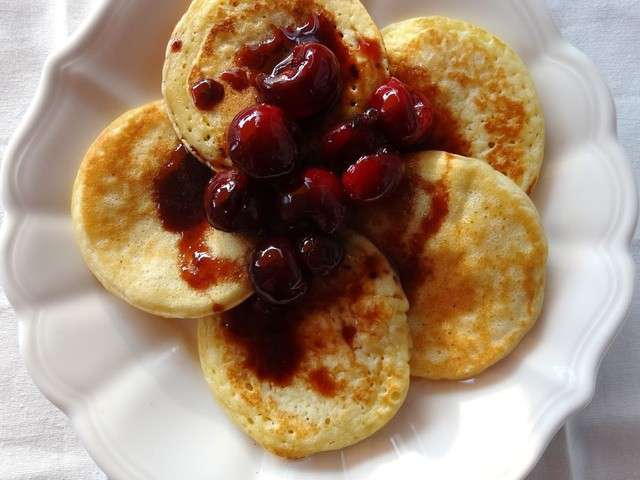 -with-cherries-in-red-wine-sauce-pancakes-et-cerises-a-la-sauce ...