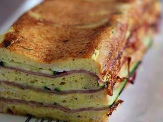 Croque cake jambon courgettes