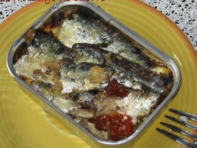 sardines en boite a la tomate sechee et au. Black Bedroom Furniture Sets. Home Design Ideas