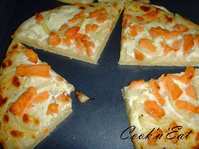 recettes de tarte flambee et saumon. Black Bedroom Furniture Sets. Home Design Ideas