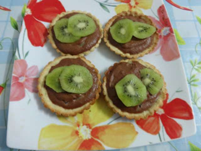 recettes de tarte au kiwi. Black Bedroom Furniture Sets. Home Design Ideas