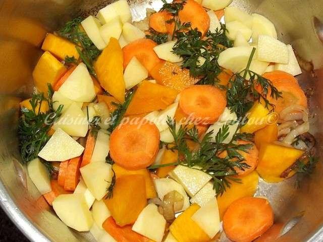 Recettes de soupe au potiron de cuisiner et papoter - Cuisiner fanes de carottes ...