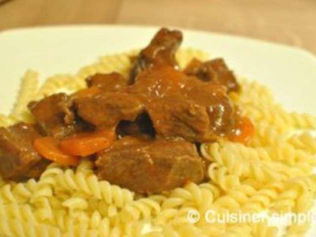 Recette b uf bourguignon facile les recettes de b uf - Cuisiner le boeuf bourguignon ...