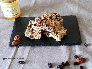 Granola barres aux miel, myrtilles et noix de pécan / Honey, blueberry and pecan granola bars