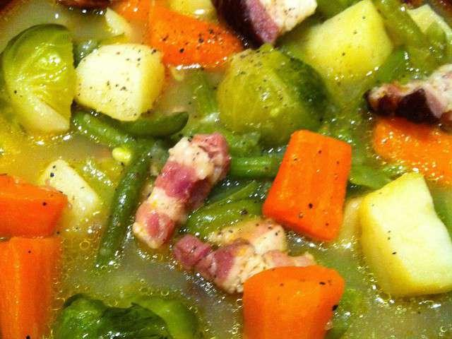 Recettes de soupe paysanne de du piano l 39 assiette for Du jardin a l assiette mauves