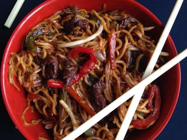 les meilleures recettes de nouilles et nouilles chinoises 4. Black Bedroom Furniture Sets. Home Design Ideas