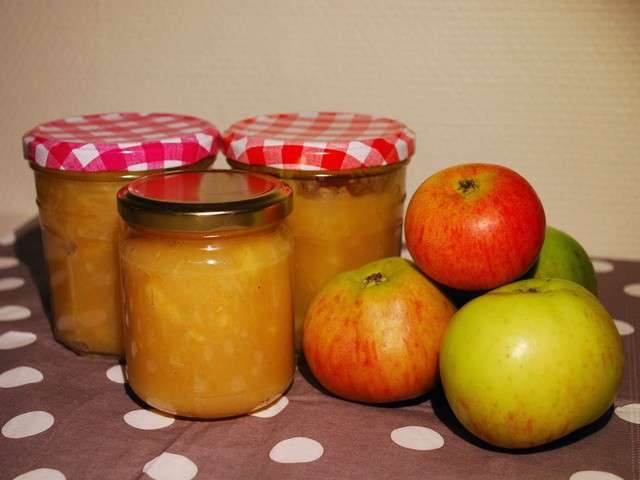 recettes de compote de pommes de invitation au fait maison. Black Bedroom Furniture Sets. Home Design Ideas