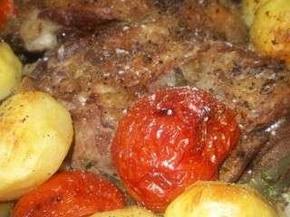 Lham mfawar et mhamar ( viande cuite à la vapeur et dorée au four)