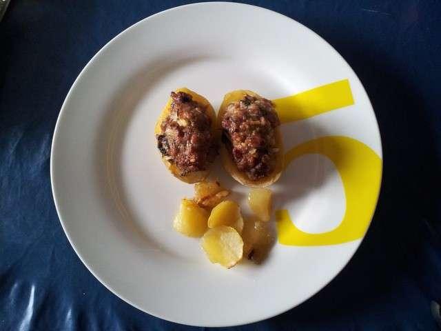 Recettes de saucisse de la cuisine de mimi - Pomme de terre farcie chair a saucisse ...