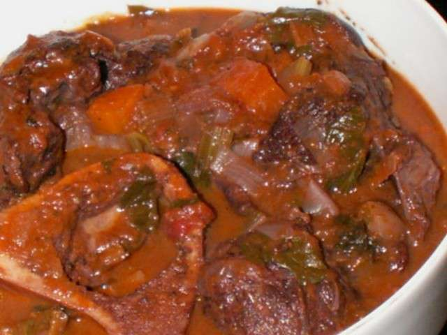 Les meilleures recettes de jarret de boeuf - Cuisiner le paleron de boeuf ...