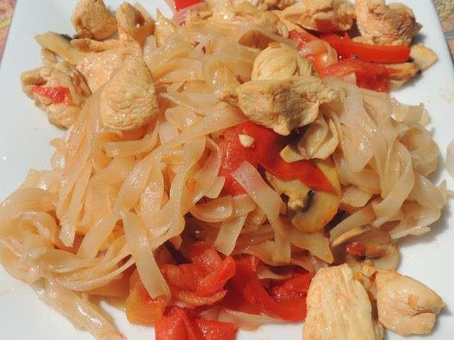 Recettes de nouilles plates de riz - Blog recette de cuisine asiatique ...