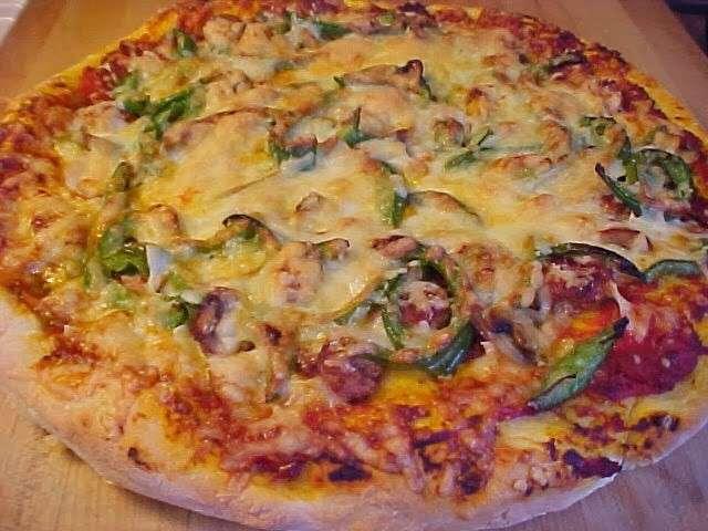 Recettes de pizza et saucisse 2 - Recette pate a pizza italienne epaisse ...