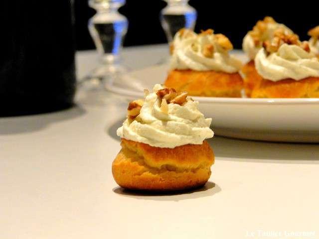 Amuse bouche pour l aperitif du reveillon de la saint sylvestre choux poire et mousse au bleu - Amuse gueule aperitif ...