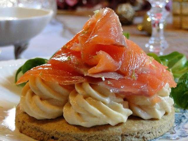 Recettes de mousses et saumon fum 3 for Entree repas de fete