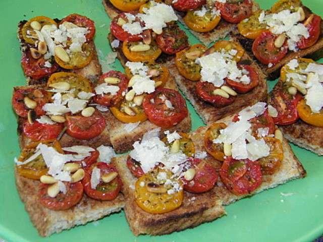 Les meilleures recettes de toasts et tomates - Idee toast apero dinatoire ...