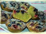 Financiers au thé matcha et fruits rouges