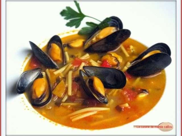 Recettes de soupe aux moules de la cuisine de mamie caillou - Laissez vous tenter ...