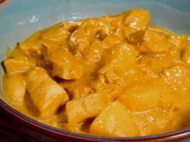 Recettes de poulet au curry 3 - Poulet au curry lait de coco ...