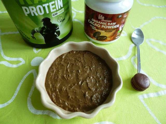 creme dessert vegane 100 crue au cacao et aux proteines de chanvre dietetique sans gluten ni