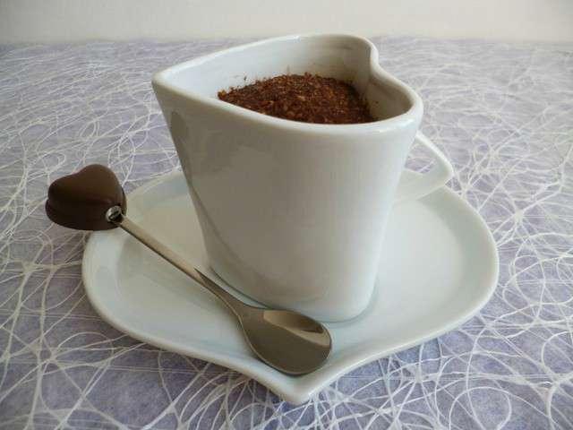 Gâteau cru cacao caramel aux pépites de son d'avoine et au psyllium