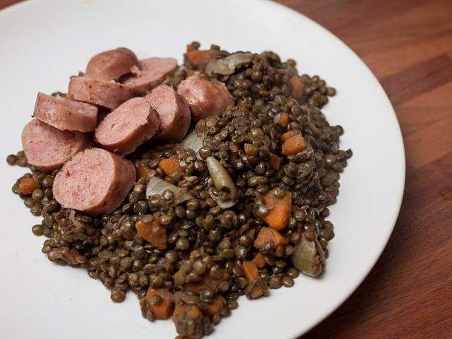 Les meilleures recettes de lentilles vertes et saucisse - Recette comment cuisiner les lentilles ...