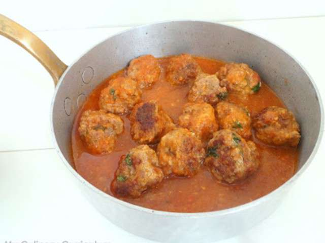 Merguez Meatballs With Yogurt Sauce Recipe — Dishmaps