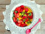 Salade de mangues et de fraises au basilic petites feuilles (Mango and strawberry salad with basil)