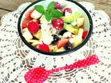 Salade printanière radis, pomelos, avocats, feta et pormmes (Spring salad with radishes, pomelos, avocados, feta and apples)