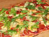 Pizza mozzarella, tomates cherry & roquette