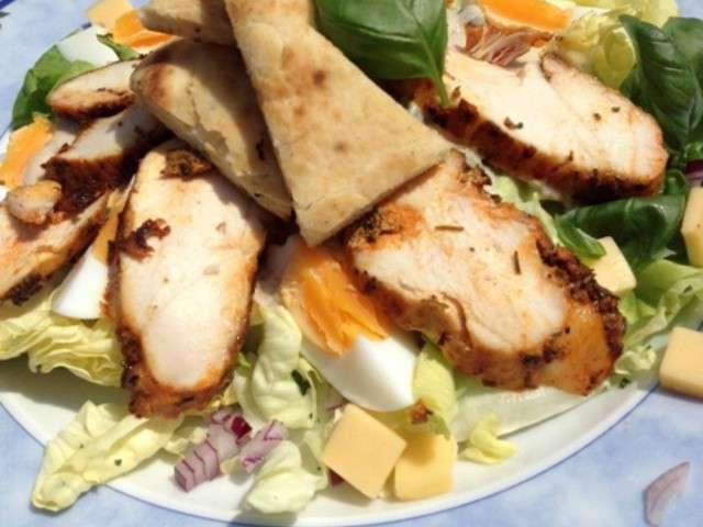 Recettes de sauce cesar - Recette salade cesar au poulet grille ...