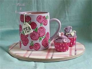 G�teau mug tea time