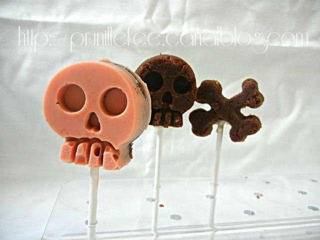 Cake Pops Recouvert De Pate A Sucre