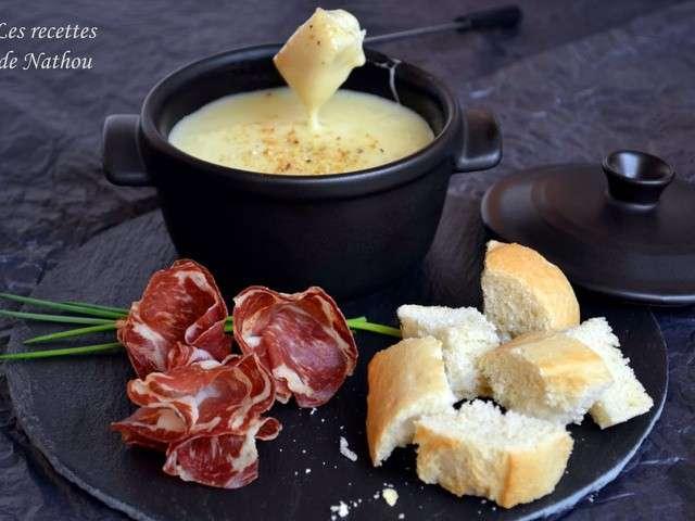 les meilleures recettes de fondues et fromage. Black Bedroom Furniture Sets. Home Design Ideas