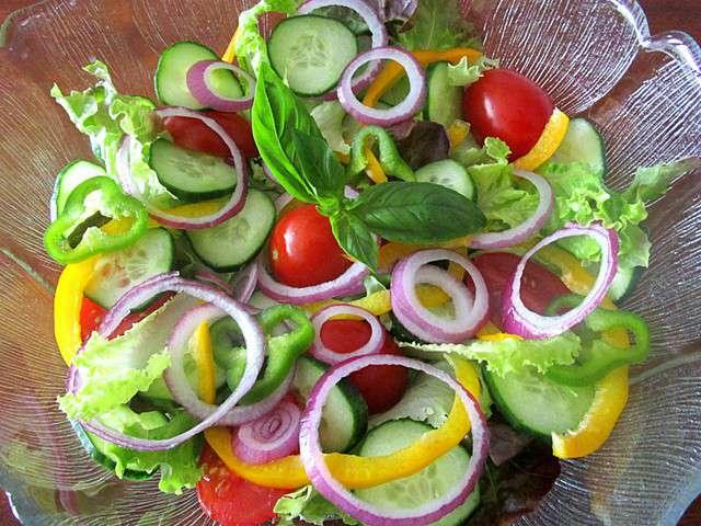 recettes de salade compos e et tomates. Black Bedroom Furniture Sets. Home Design Ideas