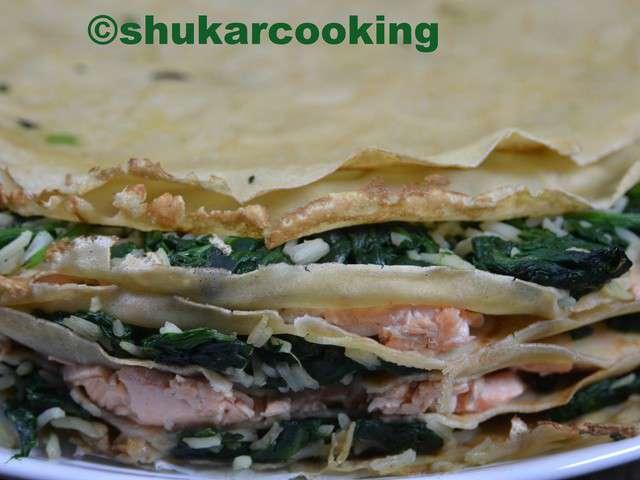 Millefeuille de crêpes au chèvre, saumon et épinards