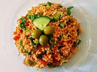 Salade de boulgour et lentilles rouges, vegan, kisir (Turquie)