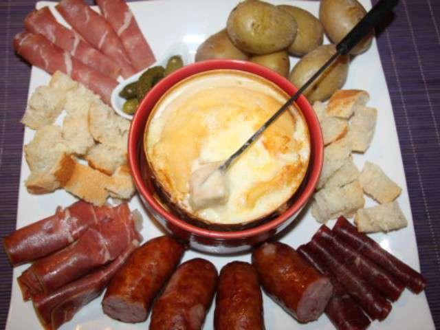 Recettes de mont d 39 or et fondues - Cuisson mont d or au four ...