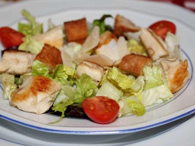 Recettes de salade c sar et poulet - Recette salade cesar au poulet grille ...
